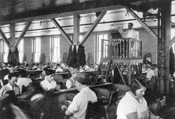 fabrieksvoorlezer.jpg