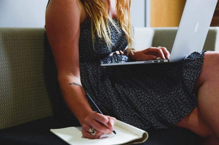 Очень хочется деньжат: 5 профессий, которым можно быстро обучиться для подработки
