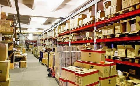 Предпринимател может иметь в собственности складские помещения
