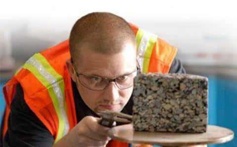 При осуществлении процесса строительства, девеллпер должен контролировать соответствие процессов документации