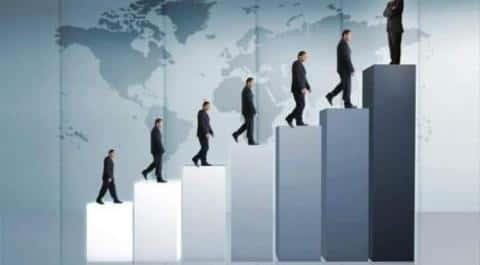 На рынке недвижимости нужно постоянно стремиться к карьерному росту, чтобы хорошо зарабатывать