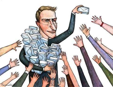 Зарплата обычного девелопера может формироваться из фиксированной суммы и процента от сделок