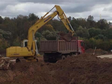 Также при строительстве недвижимости должно быть определено количество вывозимого грунта с участка