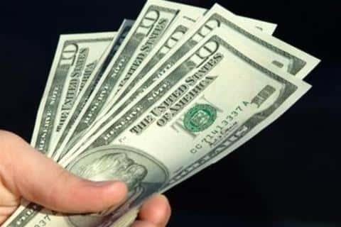 Заработная плата девелопера будет на прямую зависить от усилий и умений, которые он прилагает