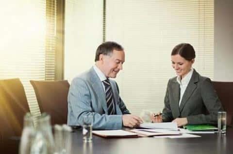 За открытием счета для обслуживания проекта в банке, девелопер должен проследить лично