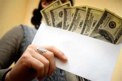 В девелоперском бизнесе оборачиваются крупные суммы, от которых зависит зарплата девелопера