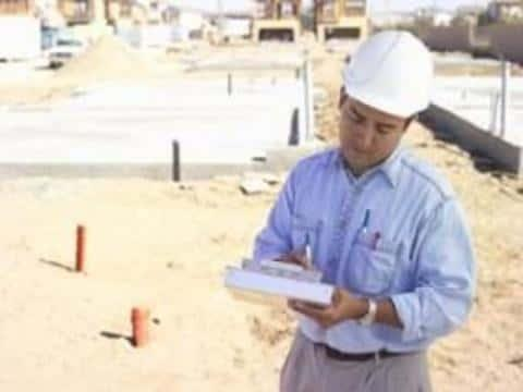 В администрации населенного пункта нужно получить разрешение на строительство объекта недвиимости