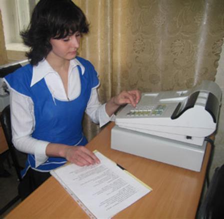 Продавец, контроллёр-кассир-1