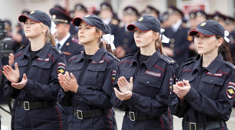 девушки в полиции