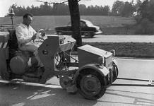 Старинная машина для разметки дорог