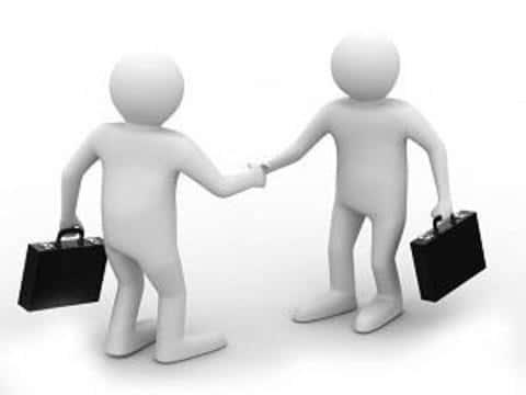 В мире, сотрудничество брокеров и андеррайтеров имеет очень сильные взаимосвязи