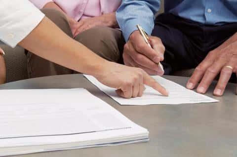 При индивидуальном андеррайтинге, каждый документ проверяется андеррайтером отдельно и тщательно