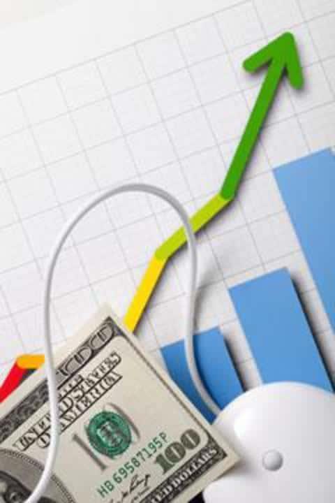 В страховой компании, андеррайтер занимается анализом клиента и принятием решения по страхованию