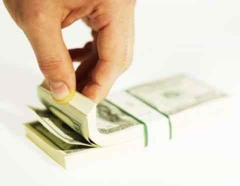 Отдельным пунктом должны быть оговорены затраты, которые понесет каждая из сторон сделки
