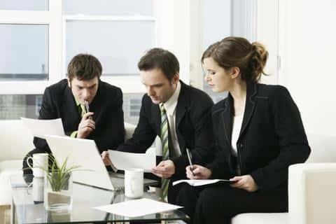 Все андеррайтеры синдиката должны заранее собрать информацию о потенциальных покупателях