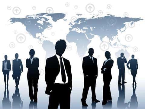 В отдел андеррайтинга страховой компании обычно входит несколько уровней сотрудников