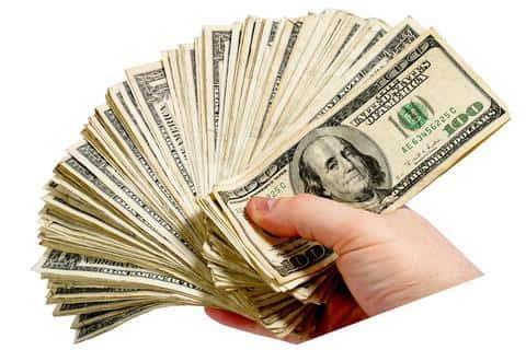 Также андеррайтер может выкупать ценные бумаги на установленную сумму денег зараннее