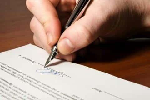 Подпись андеррайтера на документе может стоить страховой компании миллионны долларов