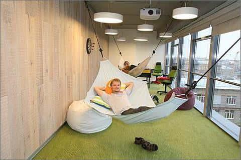 В офисном здании обязателньо должна быть предусмотрена зона отдыха для будующих его обитателей