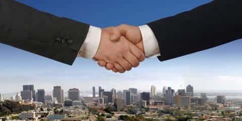 Важной функцией девелоперов является привлечение инвестров для финансирования проекта строительства