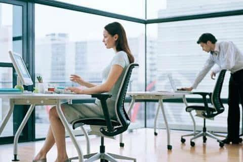 При строительстве офисного здания, нужно учитывать на сколько быстро сотрдуники смогут в него добраться