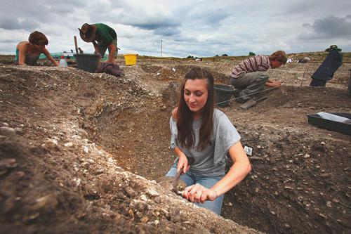 археолог это