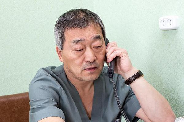 Детский хирург Юрий Тен