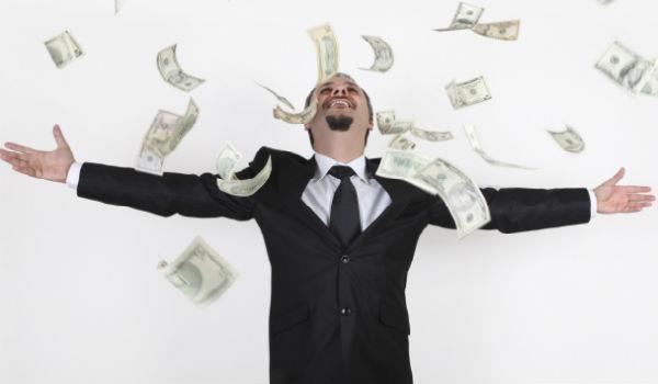 кто получает самую большую зарплату