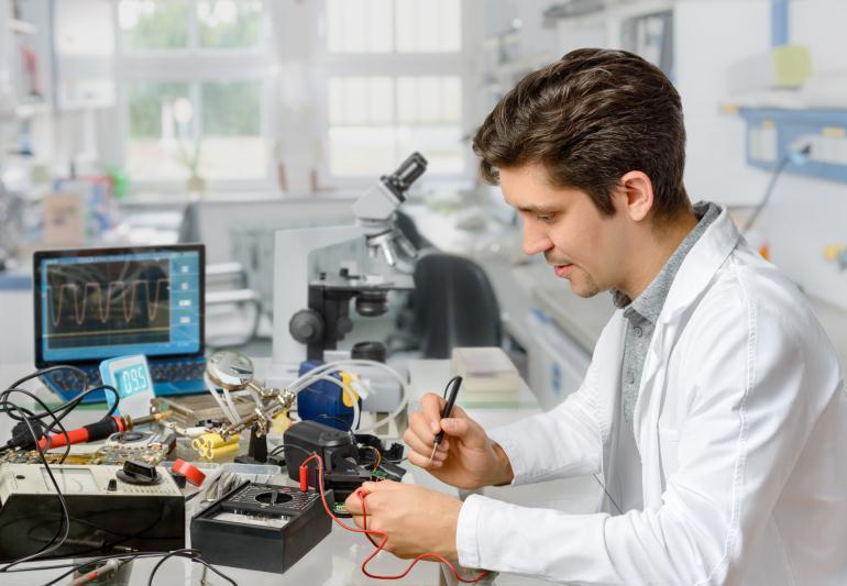 Инженер-электроник