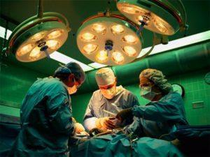Сколько зарабатывают хирурги в России