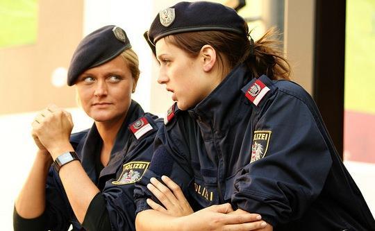 polizei-woman