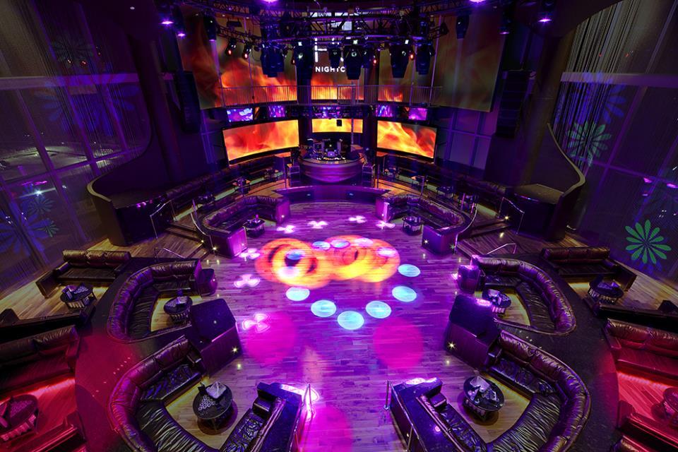 hq-nightclub-dance-floor-booth